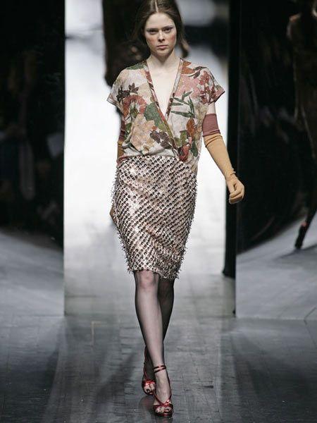 Clothing, Fashion show, Shoulder, Runway, Joint, Fashion model, Style, Waist, Fashion, Beauty,