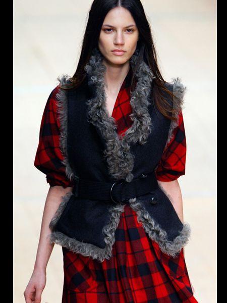Sleeve, Plaid, Pattern, Textile, Tartan, Red, Style, Fashion model, Fashion, Model,