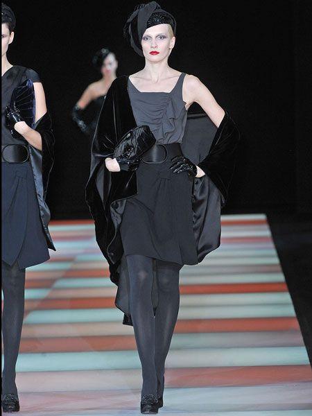 Fashion show, Shoulder, Runway, Style, Fashion model, Fashion, Dress, Model, Black hair, Waist,