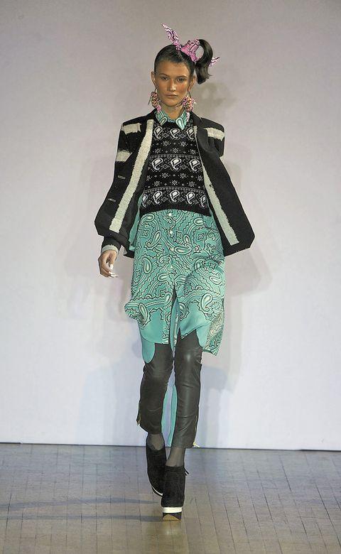 Outerwear, Style, Fashion accessory, Fashion, Street fashion, Knee, Costume design, Costume accessory, Teal, Fashion model,