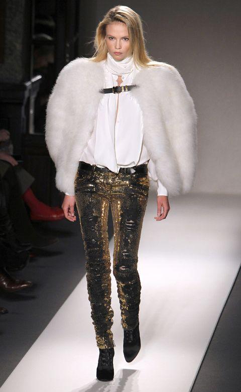 Leg, Fashion show, Shoulder, Runway, Textile, Joint, Outerwear, Fashion model, Style, Fashion,