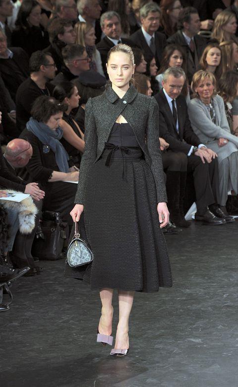 Trousers, Human body, Shoulder, Coat, Dress, Outerwear, Style, Formal wear, Suit, Bag,