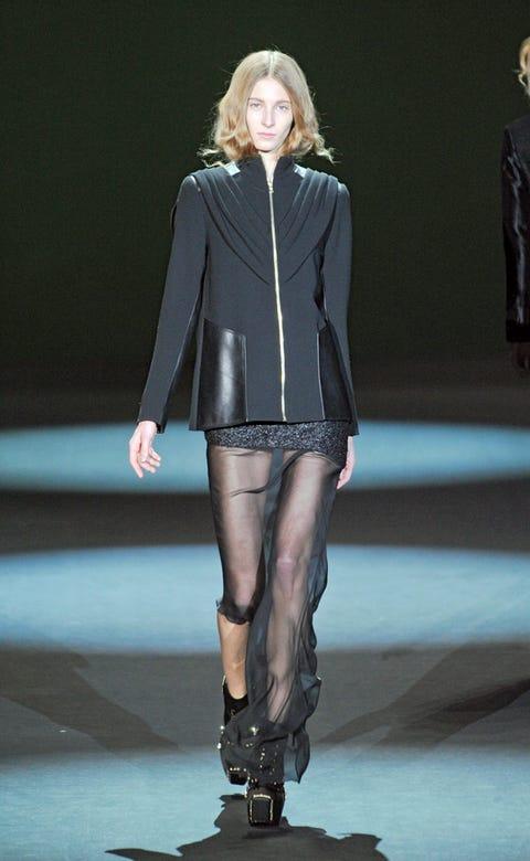 Human, Skin, Human body, Fashion show, Joint, Human leg, Outerwear, Fashion model, Style, Runway,