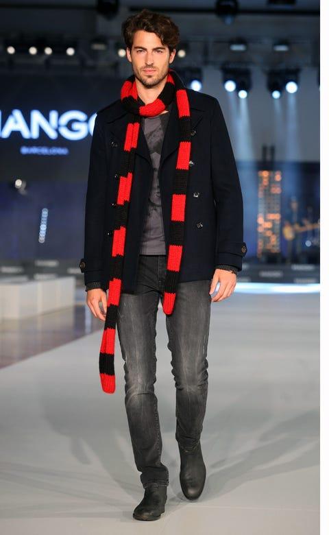 Sleeve, Trousers, Winter, Textile, Outerwear, Fashion show, Jacket, Style, Fashion model, Street fashion,