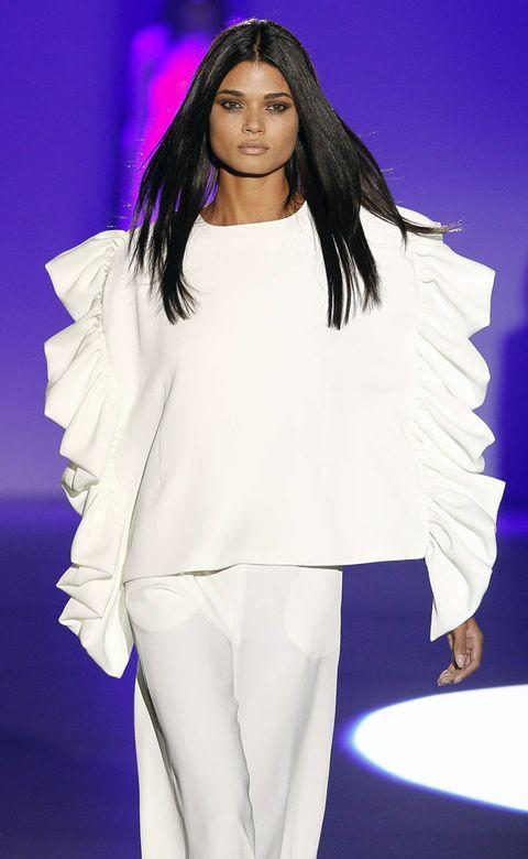 Style, Fashion model, Black hair, Fashion, Long hair, Fashion show, Street fashion, Fashion design, Model, Wig,