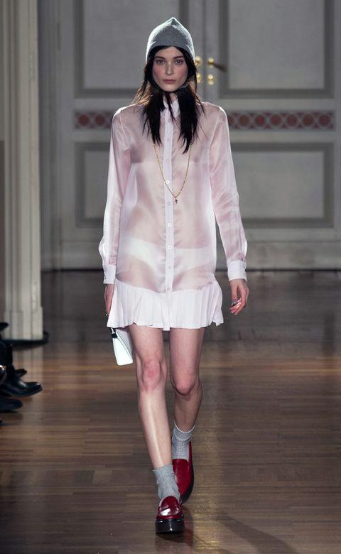 Clothing, Eye, Sleeve, Shoulder, Human leg, White, Pink, Floor, Style, Fashion show,
