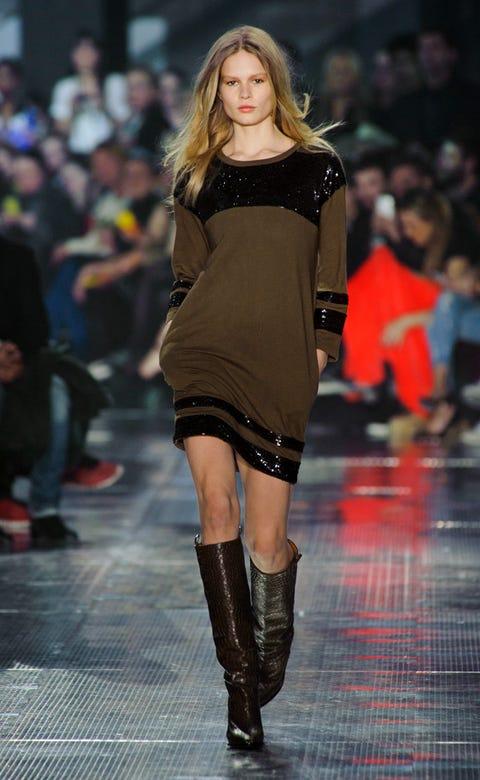 Clothing, Human, Fashion show, Event, Shoulder, Human leg, Runway, Joint, Dress, Fashion model,