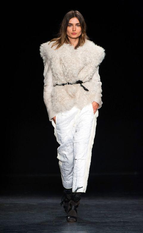 Clothing, Fashion show, Textile, Shoe, Outerwear, Runway, Style, Fashion model, Fashion, Winter,
