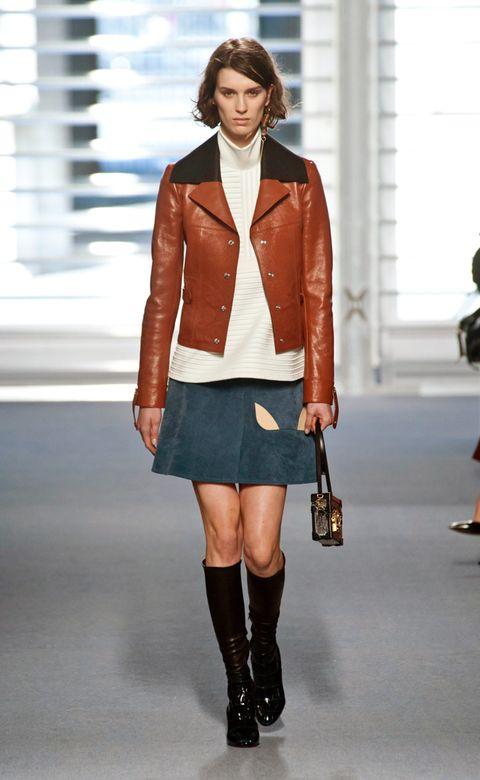Clothing, Footwear, Leg, Sleeve, Collar, Shoulder, Textile, Human leg, Joint, Outerwear,