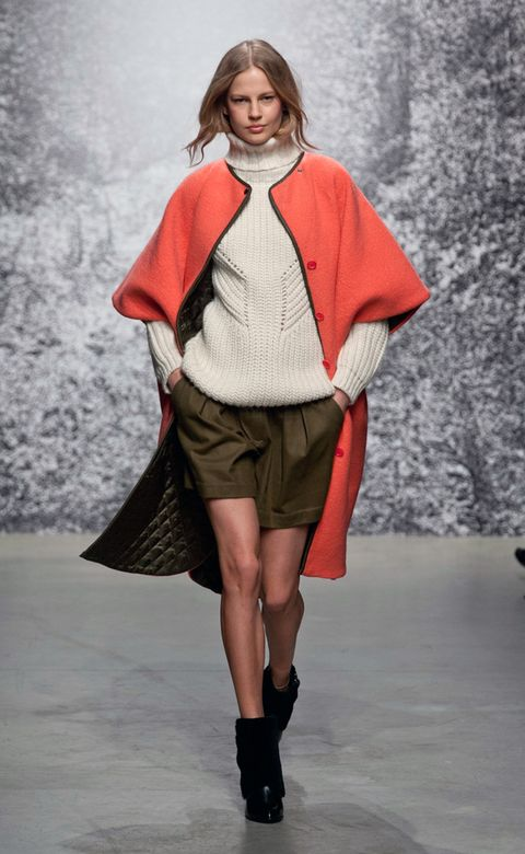 Clothing, Sleeve, Fashion show, Shoulder, Textile, Joint, Outerwear, Winter, Fashion model, Style,