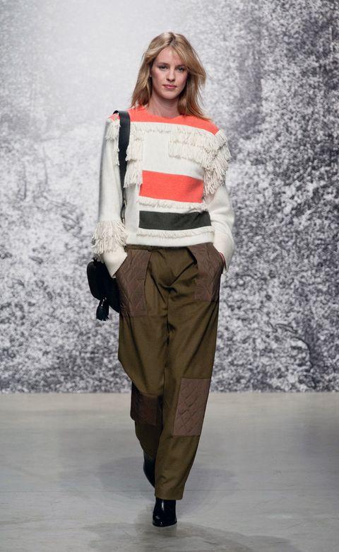 Bag, Khaki, Winter, Cargo pants, Street fashion, Luggage and bags, Waist, Blond, Khaki pants, Long hair,