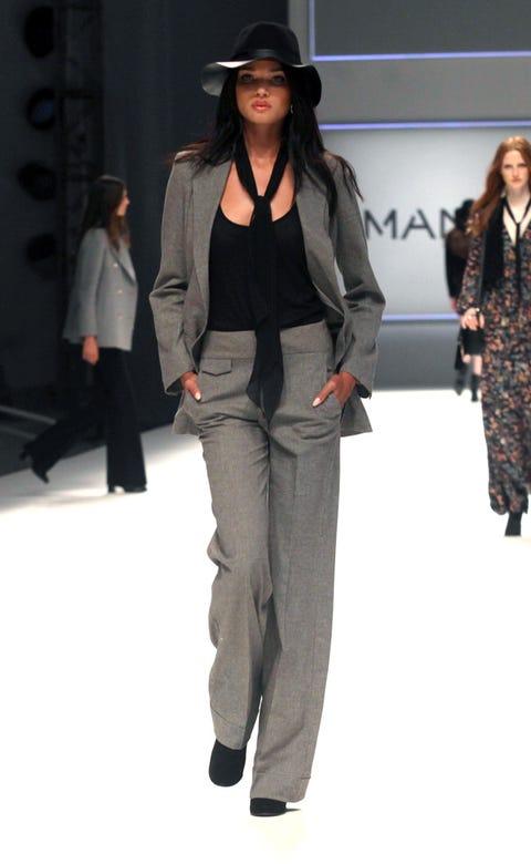 Clothing, Leg, Brown, Sleeve, Human body, Trousers, Shoulder, Hat, Bag, Textile,