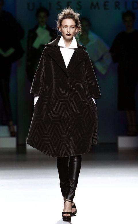 Fashion show, Joint, Outerwear, Runway, Style, Fashion model, Winter, Fashion, Dress, Fashion design,