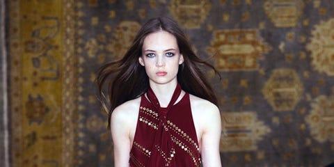 Lip, Shoulder, Jewellery, Street fashion, Fashion model, Fashion accessory, Pattern, Fashion, Beauty, Neck,
