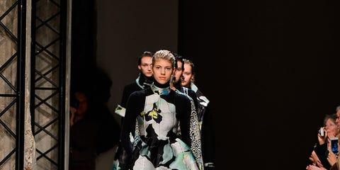 Footwear, Fashion show, Runway, Outerwear, Fashion model, Costume design, Fashion, Model, Street fashion, Public event,