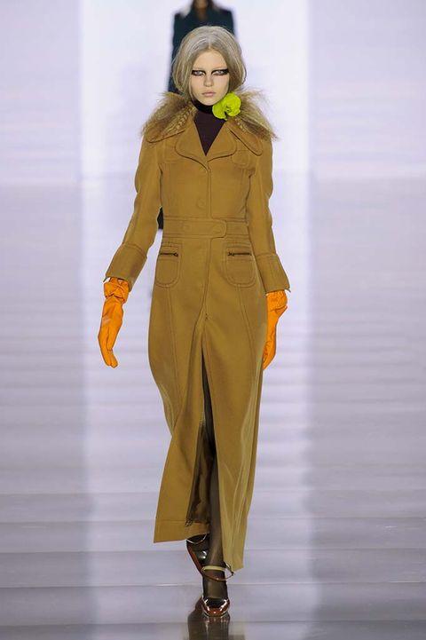 Sleeve, Joint, Standing, Style, Amber, Costume design, Fashion model, Fashion show, Fashion, Waist,