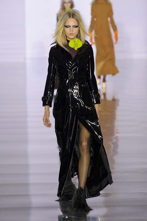 Fashion show, Runway, Shoulder, Joint, Fashion model, Style, Costume design, Dress, One-piece garment, Fashion,