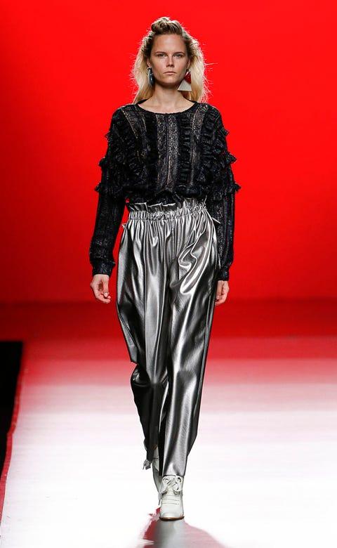 Shoulder, Fashion show, Red, Runway, Fashion model, Style, Waist, Fashion, Lipstick, Model,