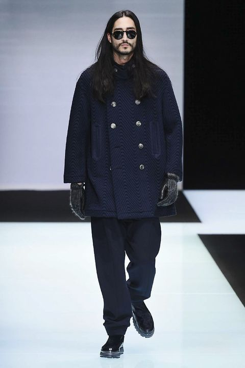 Clothing, Eyewear, Fashion show, Shoulder, Jacket, Outerwear, Winter, Style, Runway, Fashion model,