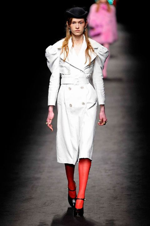Clothing, Sleeve, Joint, Outerwear, Fashion show, Fashion model, Style, Runway, Street fashion, Knee,