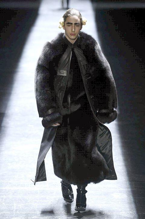 Human body, Jacket, Coat, Overcoat, Style, Fashion, Fashion model, Fur clothing, Fur, Street fashion,