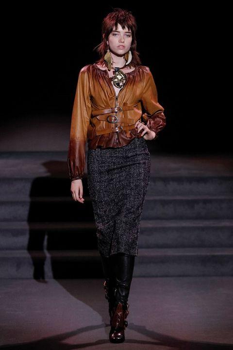 Human, Human body, Joint, Fashion show, Style, Fashion model, Fashion, Runway, Knee, Jewellery,