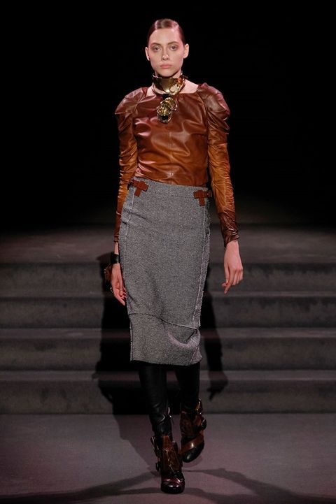 Human, Human body, Fashion show, Joint, Outerwear, Stairs, Style, Fashion model, Runway, Knee,