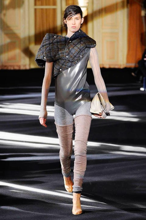 Fashion show, Human leg, Runway, Fashion model, Knee, Street fashion, Thigh, Fashion, Tights, Waist,