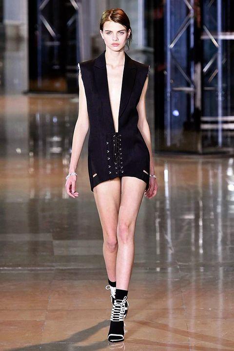 Fashion show, Shoulder, Runway, Joint, Human leg, Waist, Style, Fashion model, Beauty, Fashion,