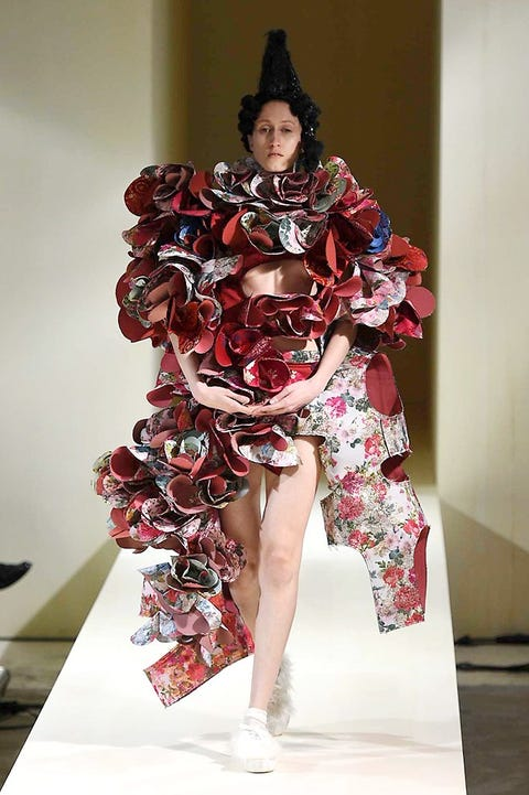 Hat, Style, Fashion show, Fashion model, Costume accessory, Fashion, Runway, Model, Costume design, Fashion design,