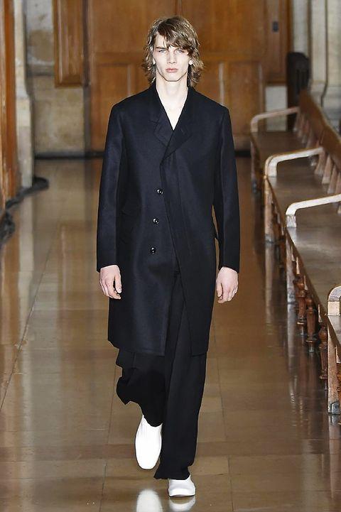 Collar, Sleeve, Floor, Standing, Coat, Formal wear, Flooring, Style, Overcoat, Blazer,