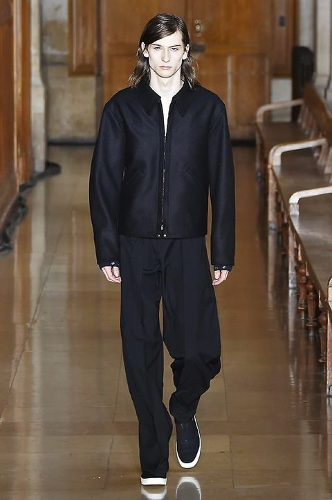Sleeve, Collar, Style, Fashion, Fashion model, Street fashion, Jacket, Fur, Fashion design, Top,