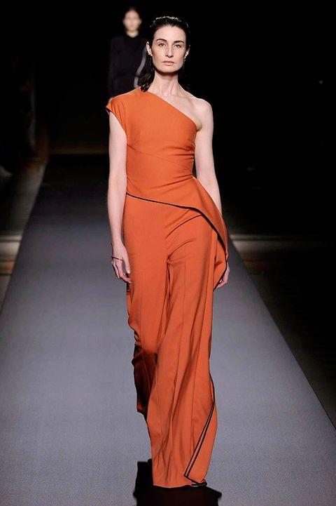 Clothing, Fashion show, Shoulder, Joint, Fashion model, Dress, Waist, Formal wear, Style, One-piece garment,