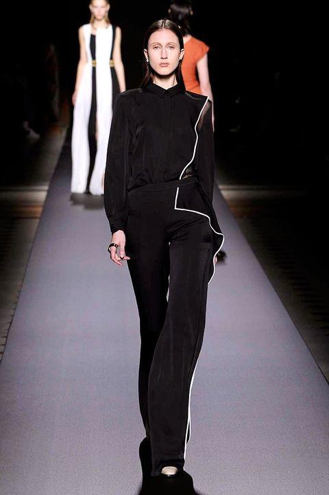 Human body, Shoulder, Standing, Joint, Style, Formal wear, Fashion show, Fashion model, Knee, Fashion,