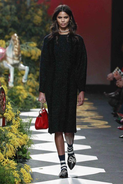 Clothing, Outerwear, Style, Dress, Pattern, Fashion accessory, Street fashion, Fashion, Fashion show, Fashion model,