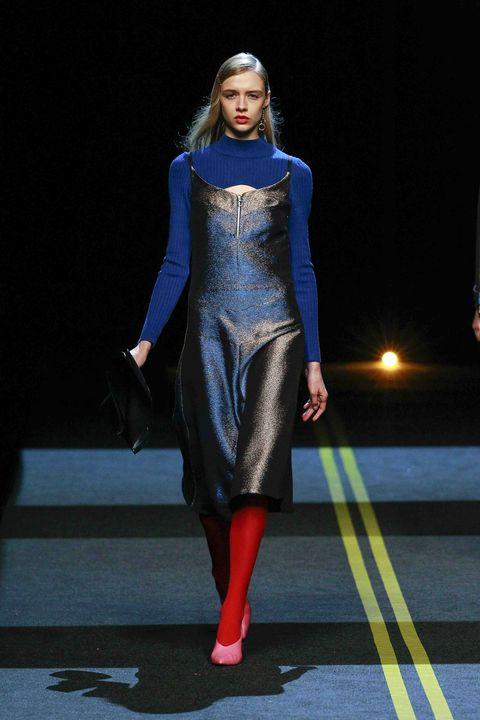 Carmine, Fashion, Fashion model, Costume design, Electric blue, Fashion design, Fashion show, Tights, One-piece garment, Haute couture,