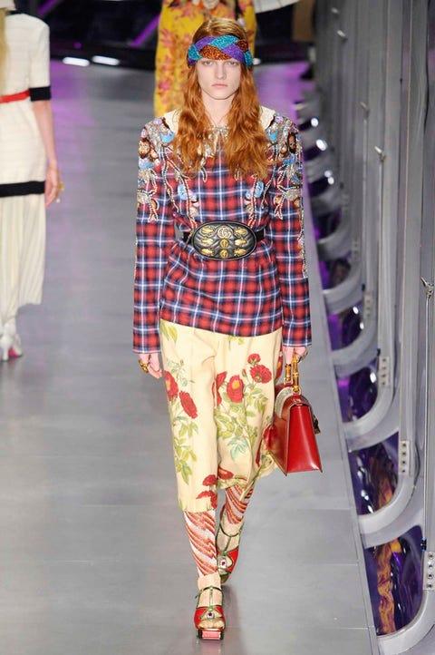 Leg, Textile, Fashion show, Style, Runway, Pattern, Fashion model, Waist, Fashion, Street fashion,
