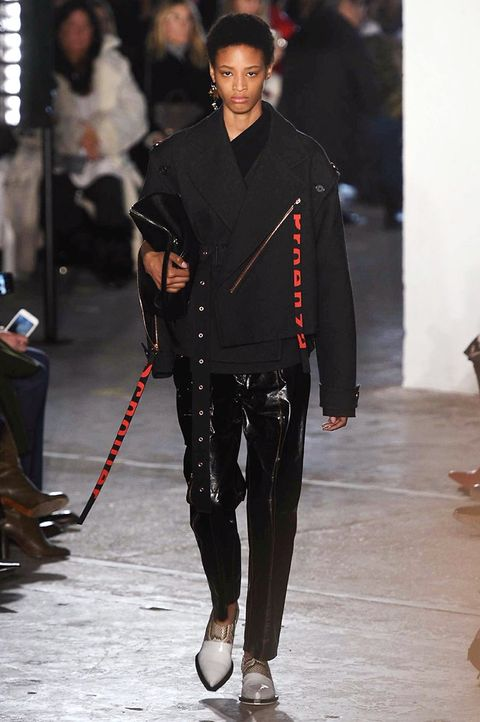 Trousers, Outerwear, Style, Fashion show, Street fashion, Winter, Fashion, Waist, Fashion model, Runway,