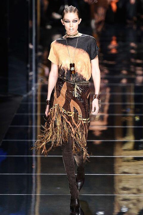 Fashion model, Fashion, Runway, Fashion show, Haute couture, Clothing, Dress, Fashion design, Human, Event,