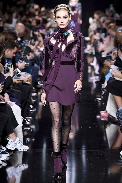 Fashion model, Fashion, Runway, Fashion show, Clothing, Haute couture, Event, Public event, Spring, Fashion design,