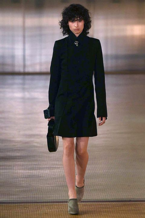 Clothing, Leg, Sleeve, Human leg, Shoulder, Collar, Joint, Outerwear, Standing, Style,