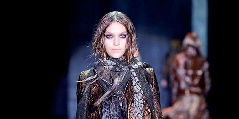Fashion show, Runway, Textile, Outerwear, Winter, Style, Fashion model, Street fashion, Fashion, Model,