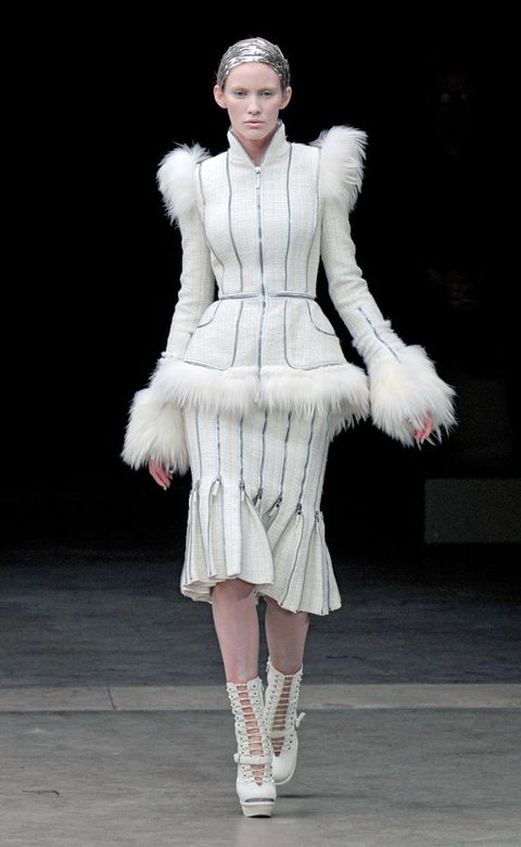 Clothing, Leg, Textile, Joint, White, Fashion show, Style, Winter, Fur clothing, Street fashion,