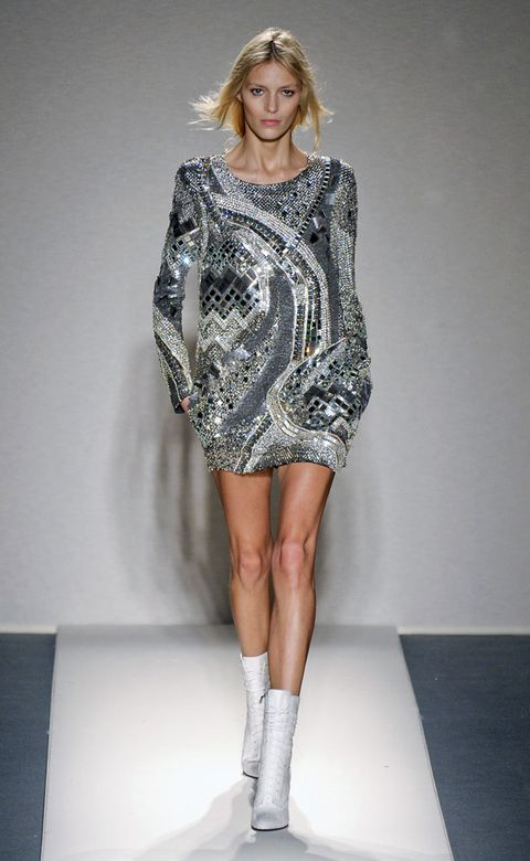 Fashion show, Human leg, Shoulder, Dress, Joint, Runway, One-piece garment, Style, Fashion model, Day dress,