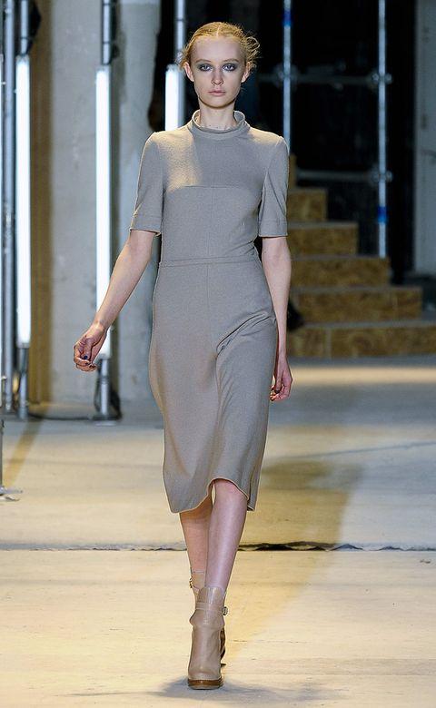 Human body, Dress, Shoulder, Fashion show, Human leg, Joint, Style, Fashion model, Waist, Street fashion,
