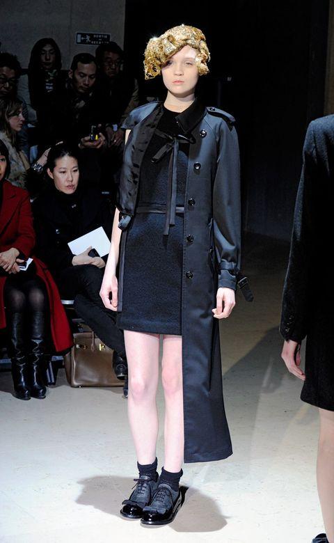 Clothing, Leg, Sleeve, Joint, Outerwear, Coat, Style, Fashion model, Fashion, Dress,
