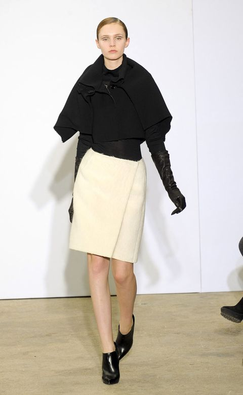 Clothing, Footwear, Sleeve, Shoulder, Human leg, Joint, Collar, Outerwear, Standing, Style,