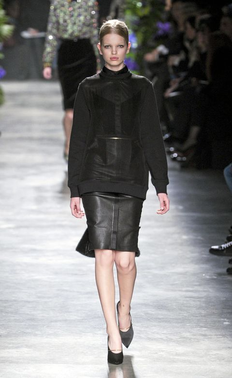 Clothing, Fashion show, Shoulder, Joint, Outerwear, Runway, Style, Fashion model, Knee, Street fashion,