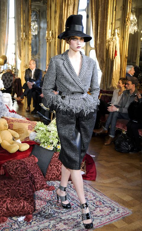 Clothing, Hat, Trousers, Outerwear, Style, Fashion accessory, Street fashion, Fashion, Curtain, Bag,