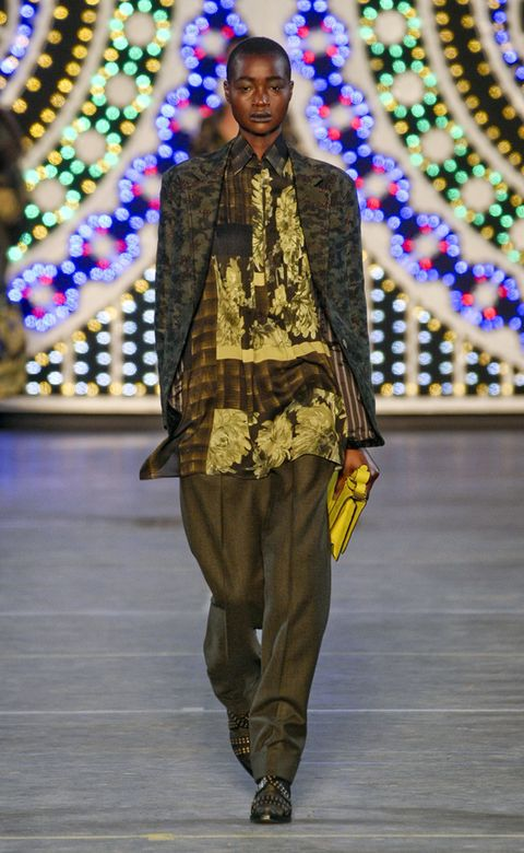 Purple, Fashion, Fashion show, Magenta, Runway, Fashion design, Fashion model, Silk, Decoration,